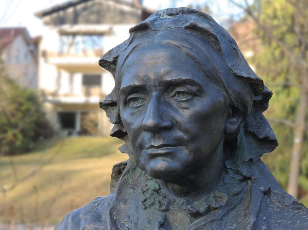 AAGLANDER - Clara Schumann Denkmal