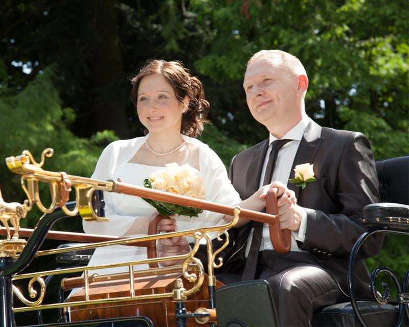 AAGLANDER - Zur Hochzeit in der Motorkutsche